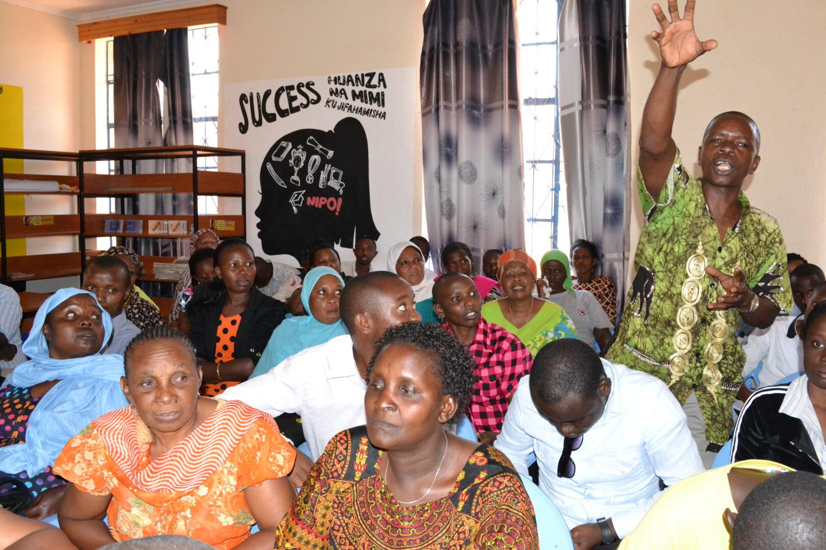 https://mediafocusonafrica.org/wp-content/uploads/2021/08/Roundtable-community.jpg